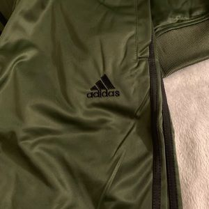 2pcs adidas track suit size 2xl new olive grn